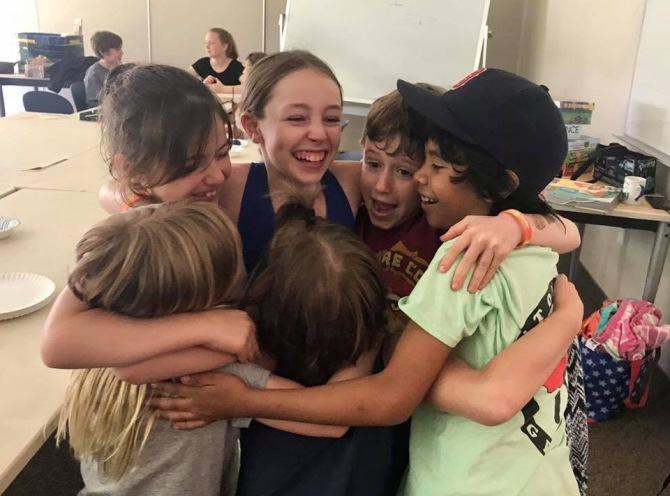 Habla a los niños en suidioma